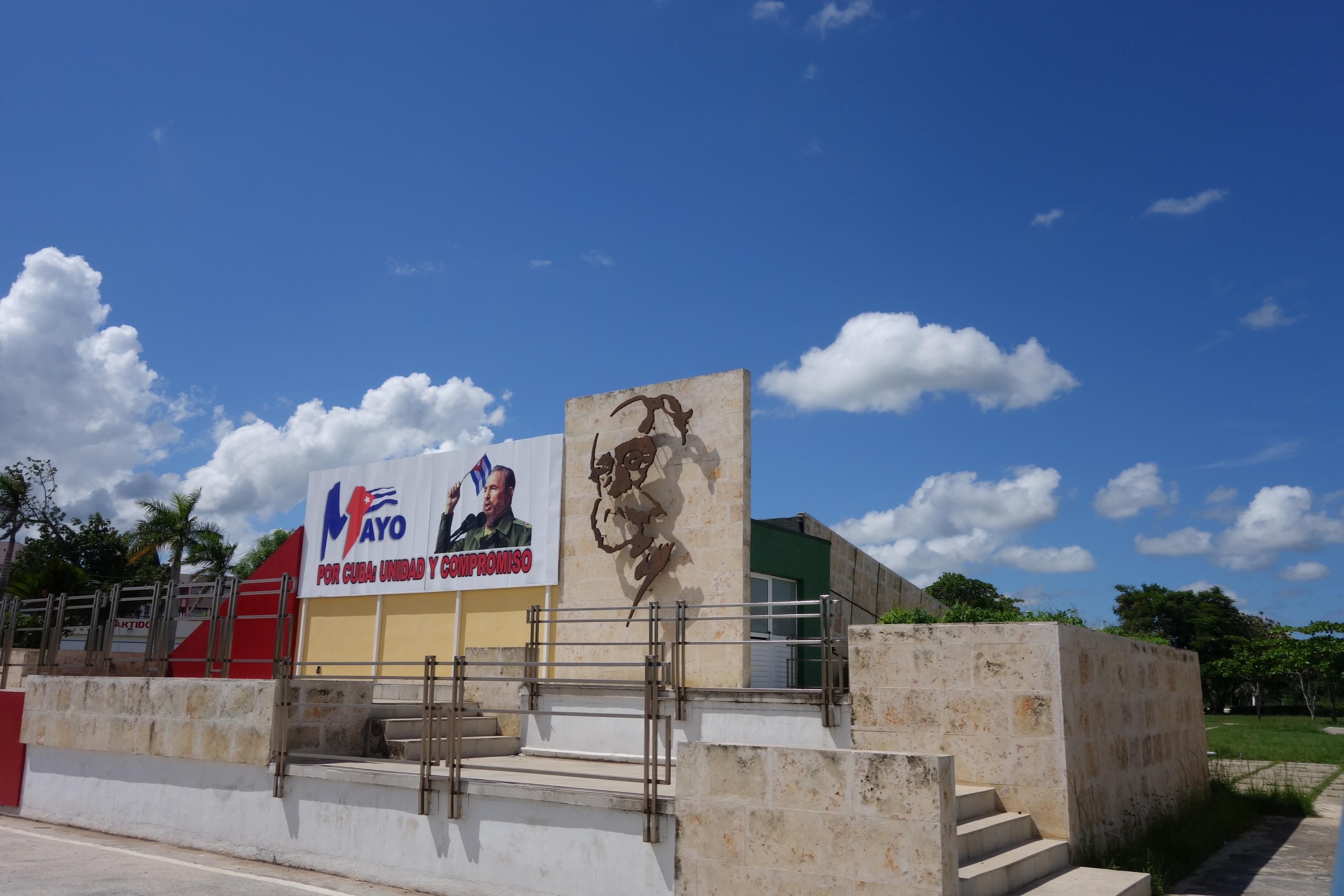 05.26 Cuba Signs